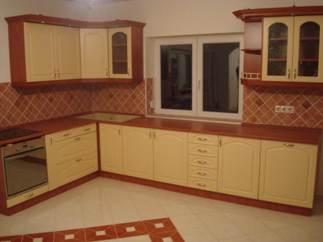 L alakú konyhabútorok - Egyedi Bútor 24